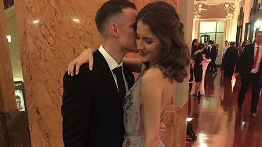 Sara Sandeva a Jan Sýkora tvoří pár.