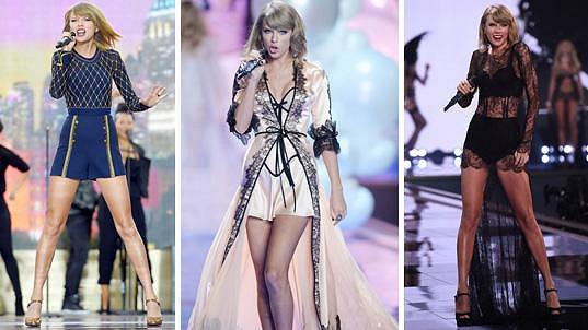 Taylor Swift své nohy ráda vystavuje.
