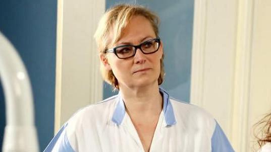 Báli byste se, kdyby vás v zubní ordinaci čekala Zuzana Slavíková?