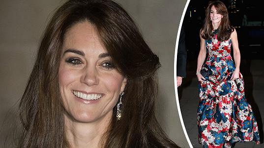 Kate zazářila v drahých šatech.