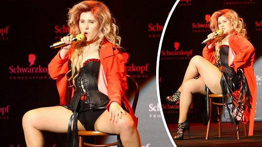 Pro někoho bylo její vystoupení za hranicí vkusu, ona byla ale se svou burleskní show spokojená.