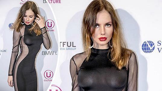 Julija Lasmovič na párty ve West Hollywoodu rozhodně zaujala...