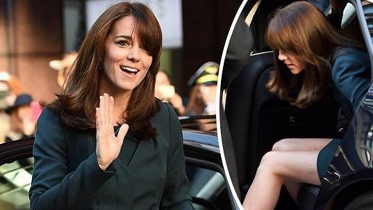Kate vystupovala z auta jako dáma.