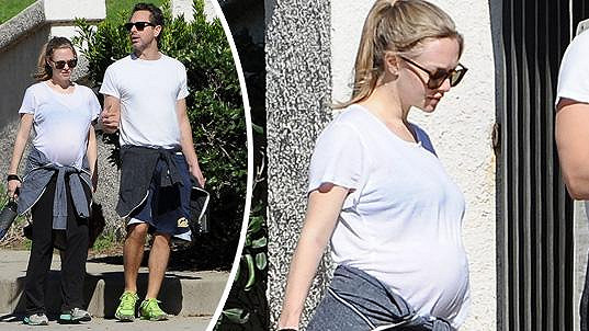 Amanda bude v létě maminkou.