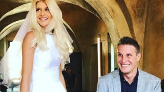 Mirek Dopita se oženil.
