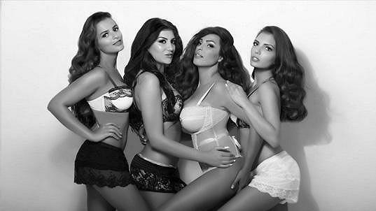 Anife se svými sestrami jako Kardashianky