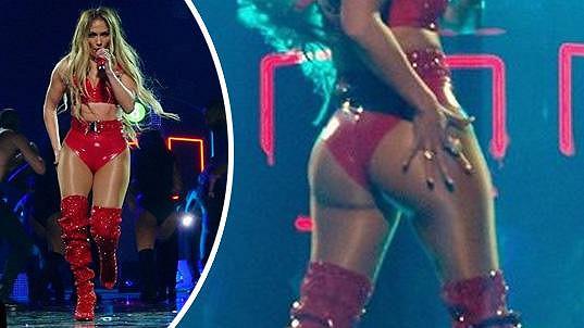 Jennifer Lopez je pořádně sexy i s padesátkou na krku.