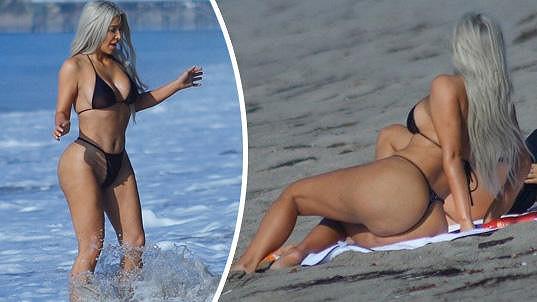 Kim Kardashian má opět výstavní figuru.