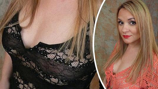 Magda Malá shodila deset kilo, je blond a stále ukazuje prsa.