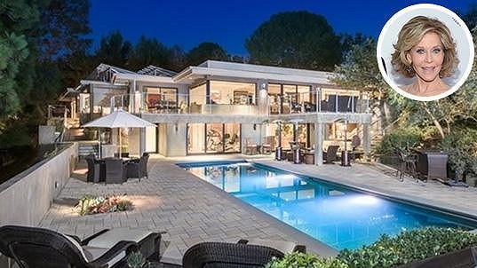 Herečka Jane Fonda obohatila realitní trh v Beverly Hills tímto skvostem. Najde pro něj ale i kupce?