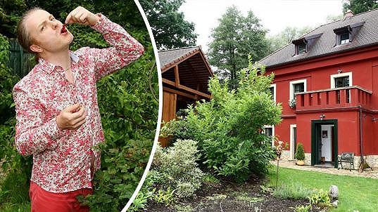 Pavel Šporcl má krásné stavení v Posázaví.