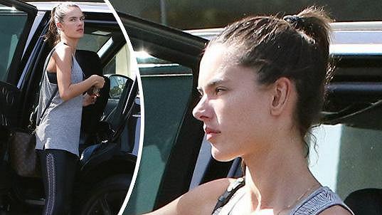 Fotografové si na Alessandru Ambrosio počíhali, když jela cvičit.