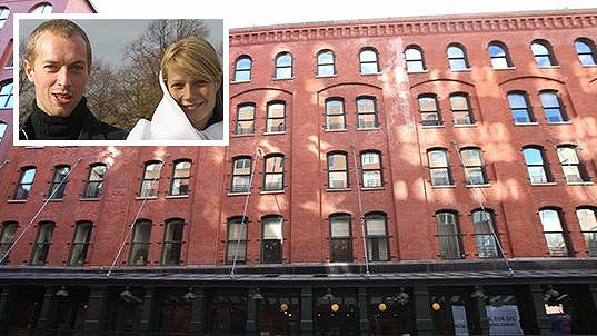 Gwyneth Paltrow a Chris Martin se zbavují apartmánu na Manhattanu.