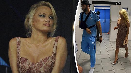 Pamela Anderson si po zápase odvedla svého fotbalistu.