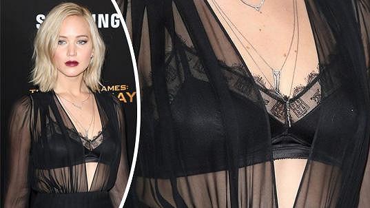 Jennifer Lawrence ukázala podprsenku.