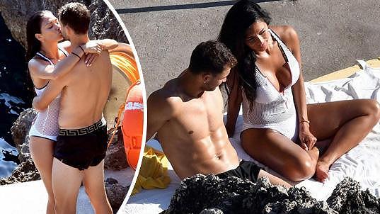 Grigor Dimitrov a Nicole Scherzinger si vychutnávají vzájemnou přítomnost na dovolené na Capri