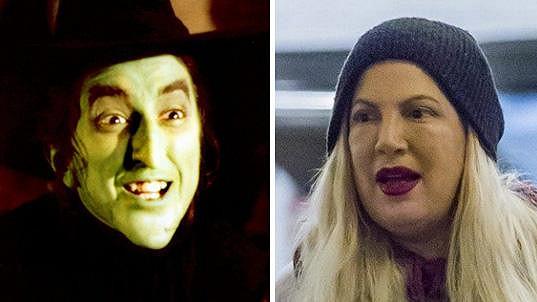 Tori vypadala jako zlá čarodějnice ze Západu z filmu Čaroděj ze země Oz.
