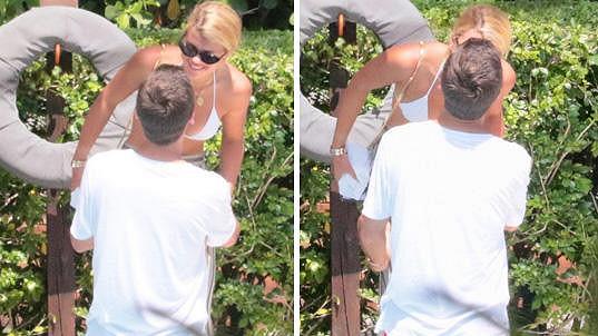 Scott Disick se líbá s teprve devatenáctiletou modelkou Sofií Richie.