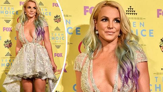 Britney Spears zvolila odvážný outfit.