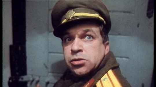 Takhle Roman Skamene vypadal v roce 1990 v Tankovém praporu.