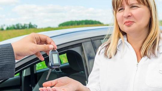 Změnu na registru vozidel si raději zařiďte sami (Zdroj: iStock)