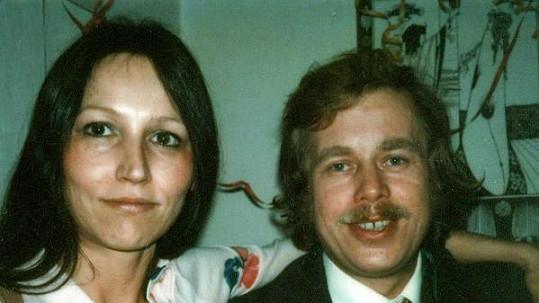 Marta Kubišová na archivním snímku s Václavem Havlem.