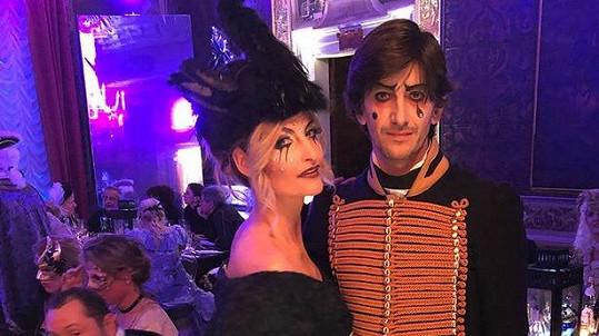 Tereza s manželem Burakem