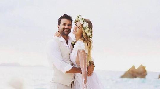 Simona Dvořáková se vdala.