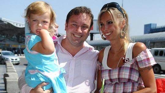Jan Moťovský s manželkou a dcerou Kateřinami týden před svým ztracením.