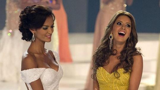 Daniella Alvarez (vpravo) se v roce 2011 stala Miss Kolumbie.