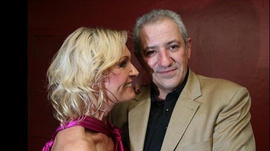 Martin Michal se svou manželkou Helenou Vondráčkovou.