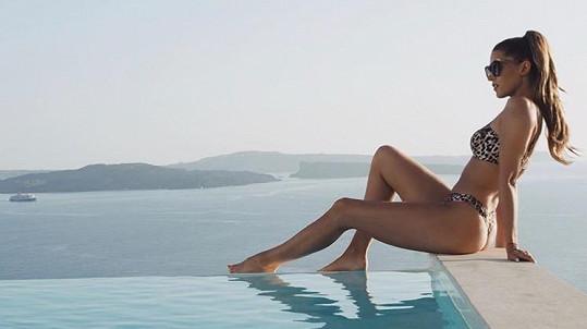 Zpěvačka si užívá v Řecku.