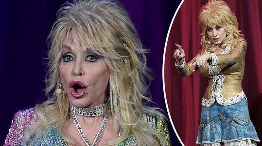 Dolly Parton už nepůsobí jako žena z masa a kostí.