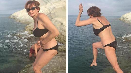 Eva Holubová se nemusí stydět ukazovat v plavkách.