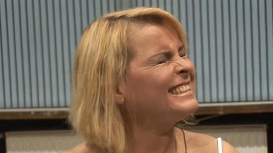 Iveta Bartošová se znovu učí zpívat. Proto televize sáhla k podvodu?