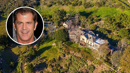 Mel Gibson opět nabízí svůj rozlehlý palác v rezidenční čtvrti.