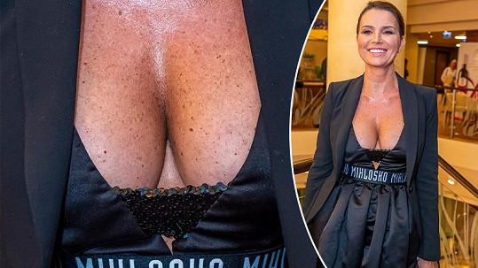 Silvia Lakatošová na módních dnech všechny uhranula svým obřím poprsím.