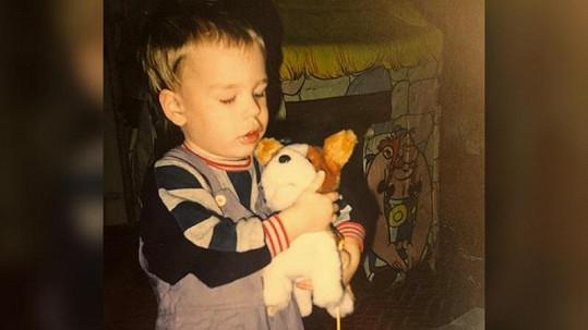 Herec doma našel snímek z dětství.