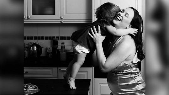 Kristýna Leichtová se těší na miminko.