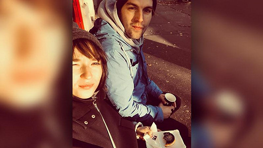 Berenika Kohoutová s přítelem