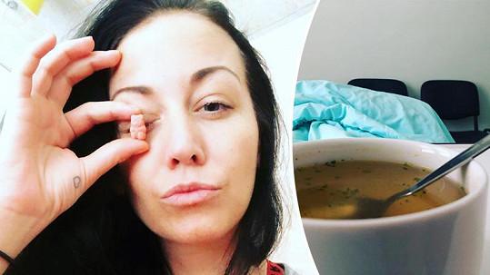 Agáta Prachařová už je po operaci doma.