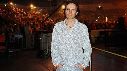 Janek Ledecký se zlobí na Havlovou, Bílou a spol.