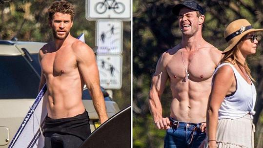 Chris a Liam Hemsworthovi