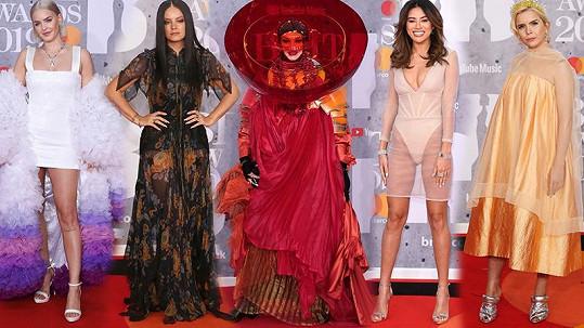 Tyhle modely z BRIT Awards 2019 budí smích i hrůzu.