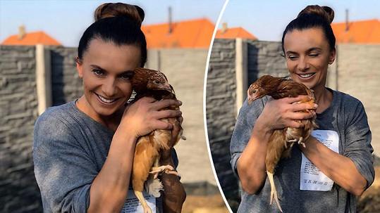 Stává se z ní farmářka.