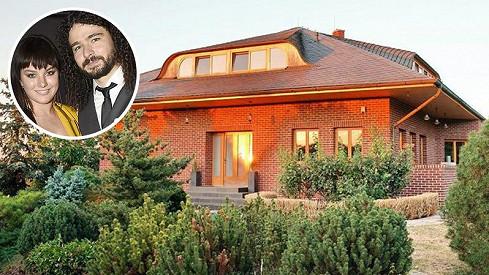 Tady bydlí Ewa Farna s manželem.