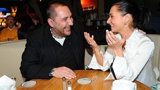 Sandra Nováková s přítelem Honzou Nejedlým na párty