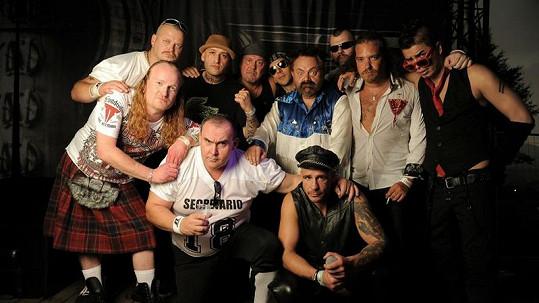 Skupina Walda Gang skončila v chládku. Více ve fotogalerii.