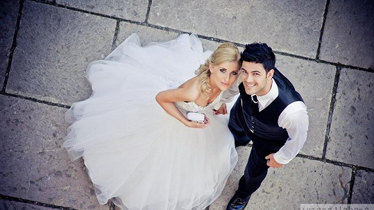 Petry Menky se oženil.