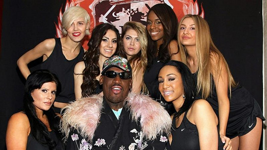 Dennis Rodman bude trénovat tyhle krásky z newyorského nočního podniku Headquarters Gentleman Club.